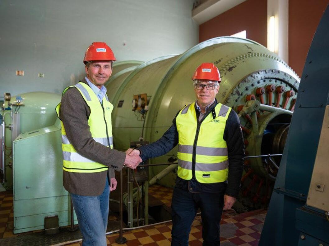 Både Glitres Pål Skjæggestad og Kiwi-sjef Jan Paul Bjørkøy (t.h.) er godt fornøyd med tiltaket. (Foto: NorgesGruppen)