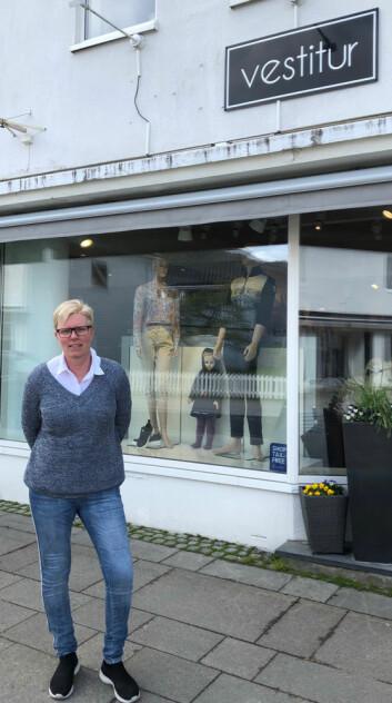 Leder i Eid Handel Ingvill Henden driver sin egen klesbutikk, Vestitur, i lokaler hvor det har vært drevet handel i flere generasjoner.