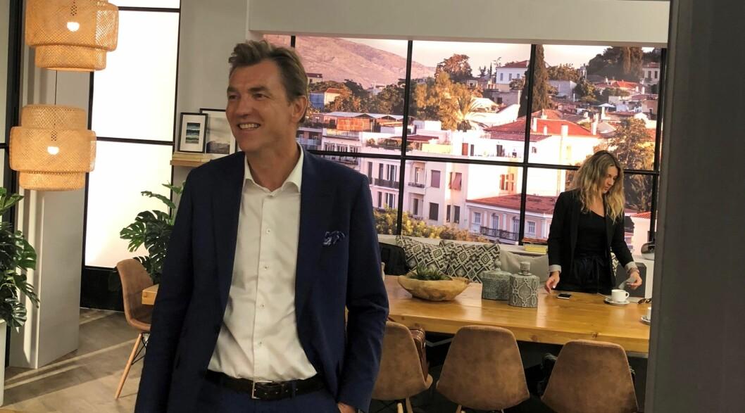 KLAR FOR NY JOBB: Erik G. Sønsterud, som de to siste årene har vært CFO for Elkjøp Nordic, gleder seg til å ta fatt på sine nye arbeidsoppgaver. (Foto: Elkjøp Nordic)