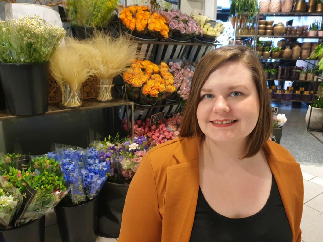 Bjørg Elise Westeng Alstad skal få Libra Shopping til å blomstre. (Foto: Gunn Elin Lyngvær, Libra Blomster)