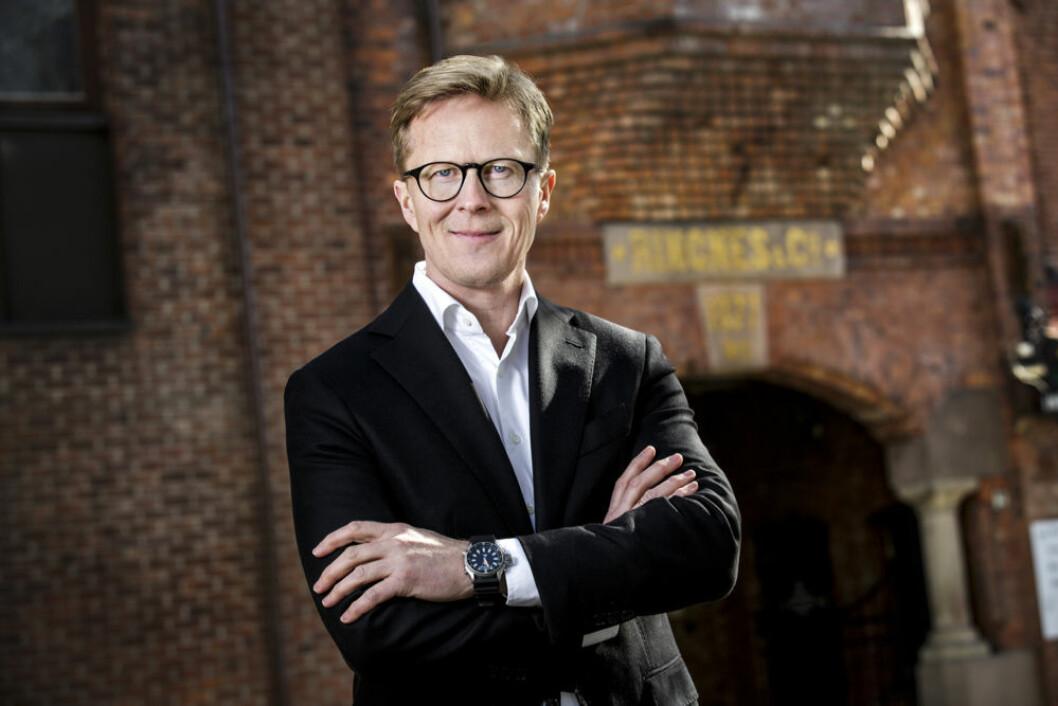 Anders Røed legger fram bærekraftrapport. (Foto: Ringnes)