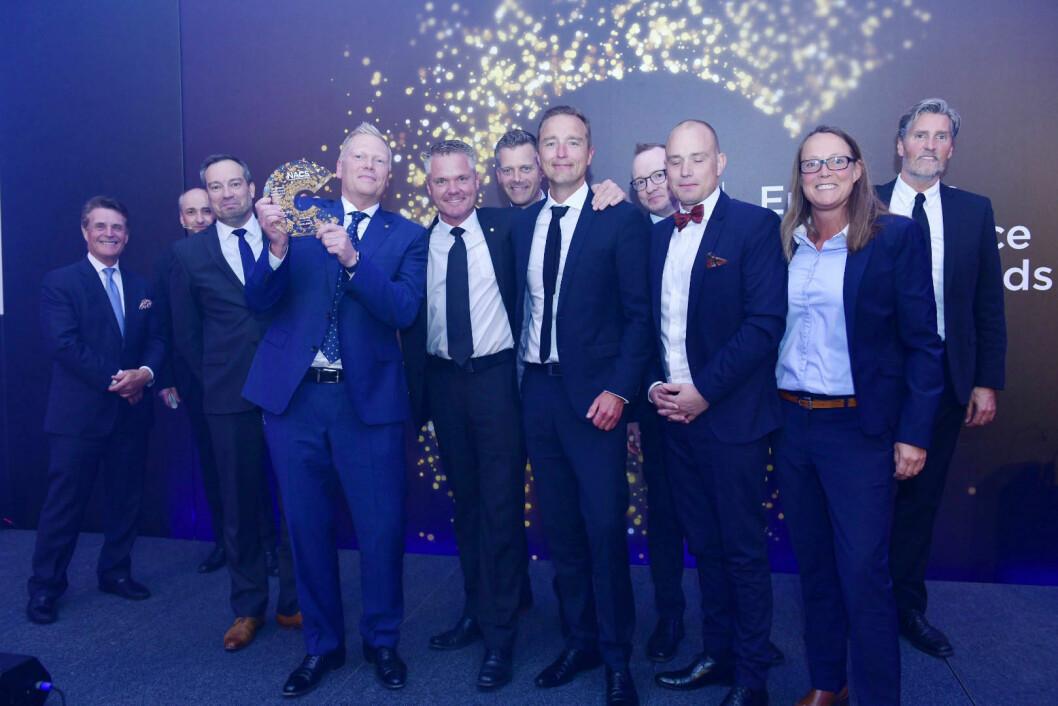Adm.dir. Jesper Østergaard mottok prisen for verdens beste Convenience-konsept sammen med resten av teamet i Reitan Convenience Denmark.