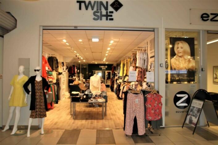 TVILLINGER: Twinshe er startet opp og drives av to tvillingsøstre. En liten nisjebutikk som har funnet en fin måte å kombinere butikk og nettbutikk.