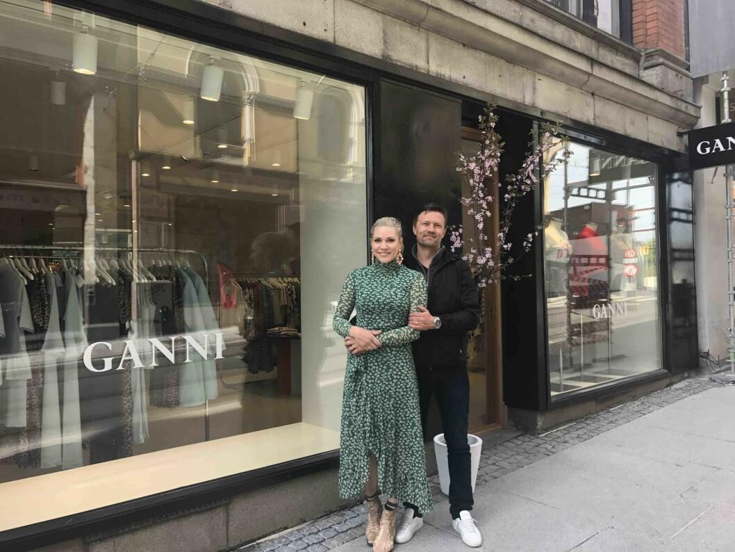 Ekteparet Anett Ringstad Jalland og Jørgen Jalland har solgt butikkene, men beholder agenturet for Ganni.