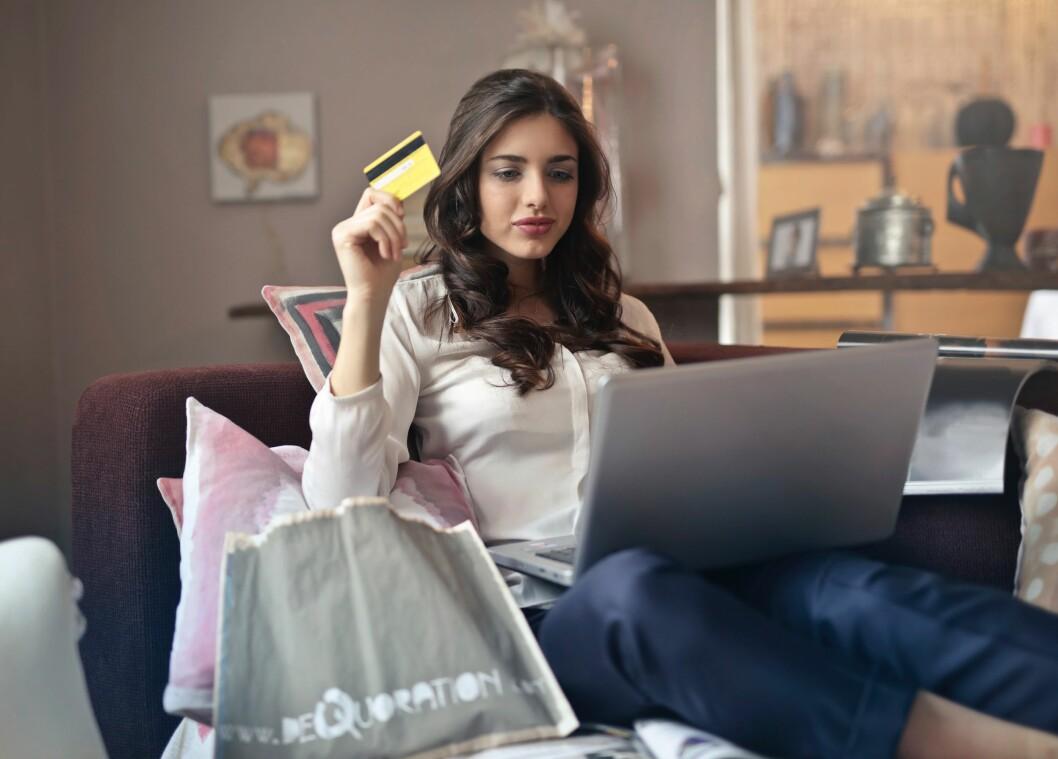 Undersøkelsen viser at nordmenn foretrekker å handle på norske nettsider. Det er en gledelig nyhet for norsk næringsliv. (Ill. foto)