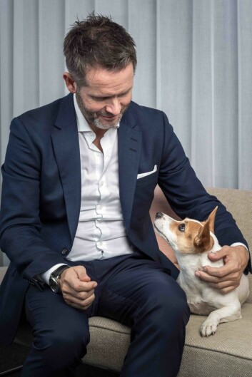 Musti-ansatte er gjerne glad i dyr, også adm. dir. Erik Skjærstad. 93 prosent av de ansatte har kjæledyr selv. Alle foto: Musti