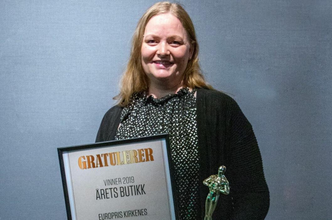 Gripe mulighetene og tilfredsstille kundene, er viktig og bidro til at prisen som Årets butikk gikk til butikksjef Vigdis Helene Johansen i Kirkenes.