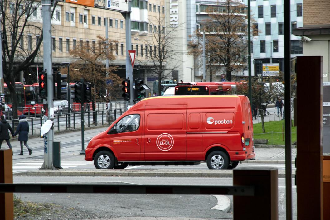 Nye og miljøvennlige kjøretøy er ett av Postens virkemidler til å møte klimautfordringene samtidig som netthandelen øker. (Foto: Posten)