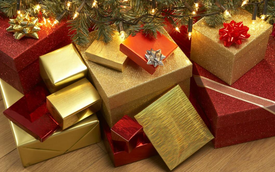 MER PENGER: Det vil bli brukt mer penger på julehandel i år. Foto: Colourbox