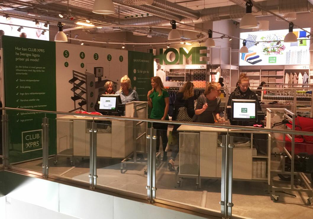 Det har vært stor interesse for de nye selvbetjeningskassene i ClubXPRS' butikker i Sverige.