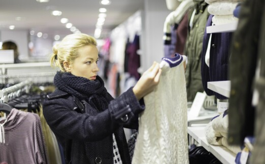 Detaljhandel med klær falt kraftig i mars
