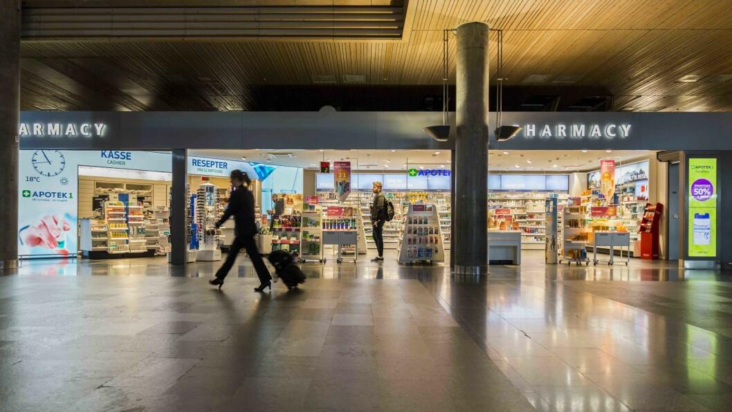 Apotek 1 bruker sin flate på 9x3 meter på Gardermoen både til markedsføring av produkter og til å fortelle kjedens historie. Foto: ProntoTV