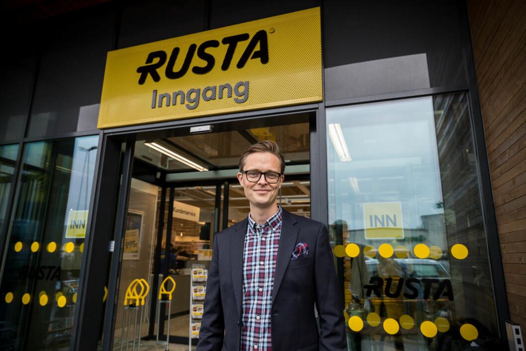 For Erlend Kramer har erfaringen som varehus- og regionssjef vært viktig for å lykkes som norgessjef i Rusta.  (Foto: Johnny Vaet Nordskog)