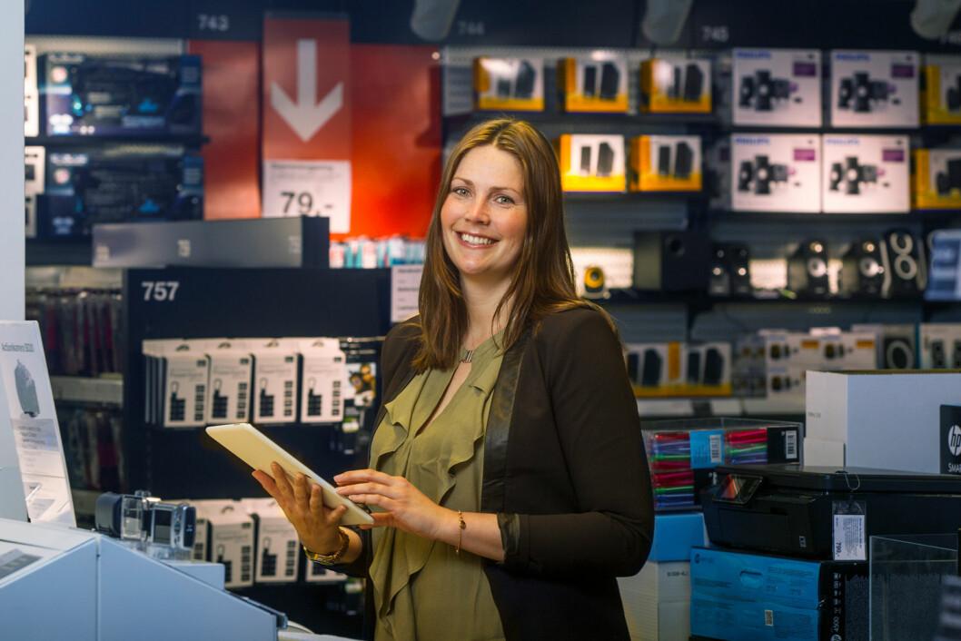 – Vi er ikke i tvil om at det å gi gode shoppingopplevelser blir enda viktigere fremover og her er de fysiske butikkene viktige. De har en menneskelig faktor som ikke nettbutikkene har, sier kommunikasjons- og markedssjef Ina Kristin Haugen (Foto: Clas Ohlson)