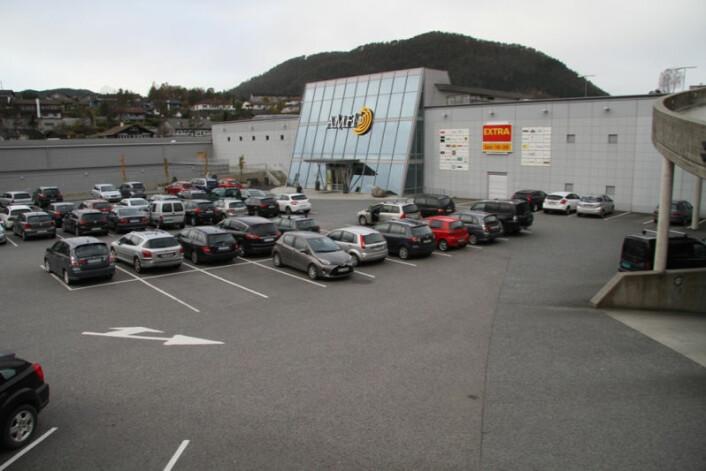 ENKEL ADKOMST: Det er mulig å parkere rett utenfor – eller på taket.