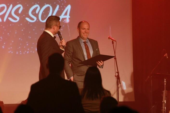 ÅRETS FRANCHISE: Roy Hansen og Europris Sola i Rogaland, fikk pris som årets franchise-butikk. Foto: Europris
