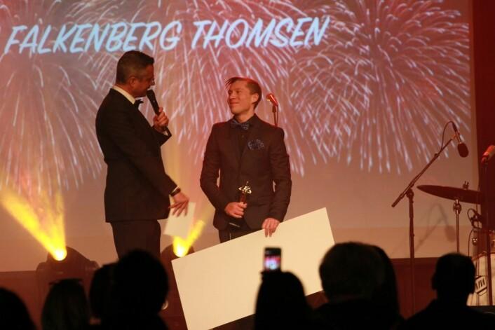 ÅRETS SELGER: Stian Falkenberg Thomsen, Europris Åssiden, Drammen, Buskerud ble utropt til årets selger. Foto: Europris