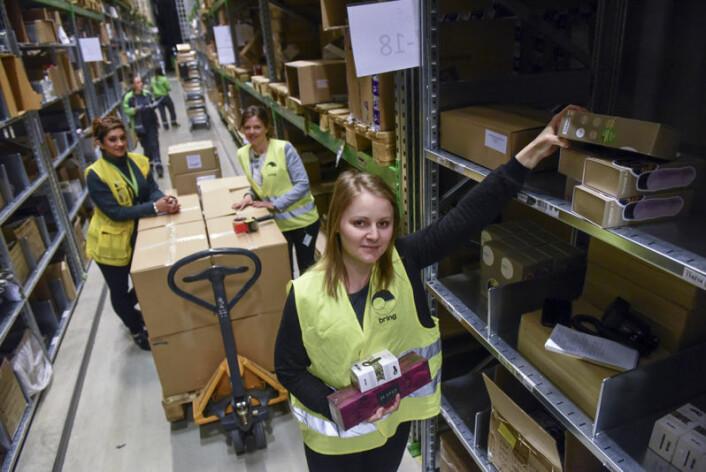 Sanna Mingotti, logistikkoordinator og engrosansvarlig i Kondomeriet, er fornøyd med samarbeidet med Bring Warehousing og har fornyet avtalen med tre år.