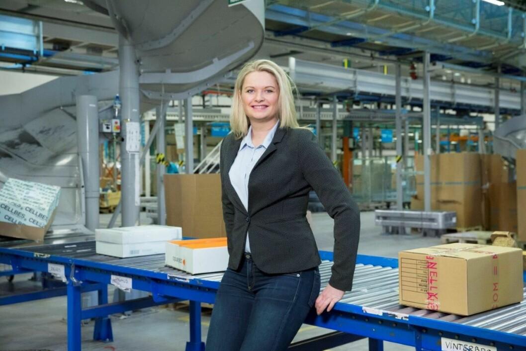 Distribusjon knyttet til netthandel utgjør nå halvparten av omsetningen til PostNord, og andelen vokser. Customer Experience Manager Rikke Kyllenstjerna måler kundetilfredsheten kontinuerlig. Foto: PostNord