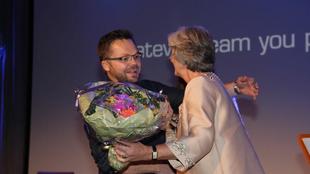 I 2014 fikk Anders Fjeld, i egenskap av kjededirektør i XXL Sport & Villmark, tildelt Handelsprisen under Handelskonferansen, av adm.dir. i Virke Vibeke H Madsen. (Foto: Stig Atle Bakke)