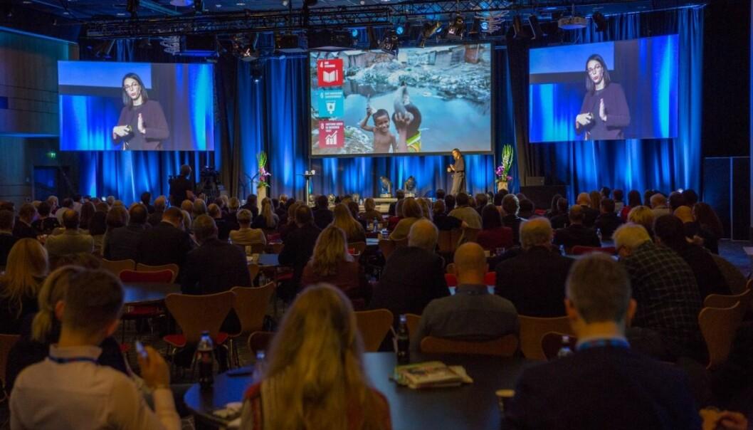 I takt med at samfunnet åpnes opp økes antall deltakerplasser på årets Kjøpesenterkonferanse. Ill foto fra en tidligere konferanse.