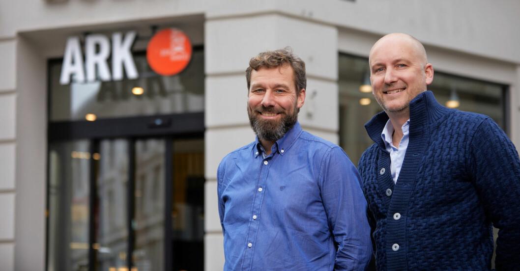 Geir Thoresen, CEO i Pearl Group (t.v) og Morten Krogh-Moe, CEO i Sannsyn har samarbeidet i flere år for å gi kundene til ARK Bokhandel en god kjøpsopplevelse. Nå ønsker de å gjøre flere norske handelsbedrifter levedyktige. (Foto: Morten Brakestad)