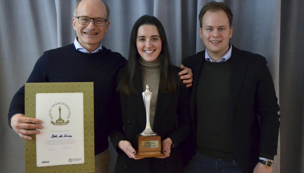 Kjedeleder Tormod Lier, forretningsutvikler Michelle Dante og driftsdirektør Marius Kristiansen i Deli de Luca er fornøyd med å ha blitt kåret til Årets franchisekjede.
