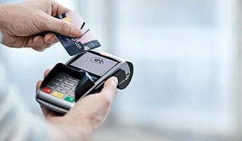 Bruk av bankkort falt markant i mars