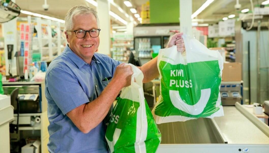 Kiwi-sjef Jan-Paul Bjørkøy kan glede seg over å ha vunnet bærekraftpris.