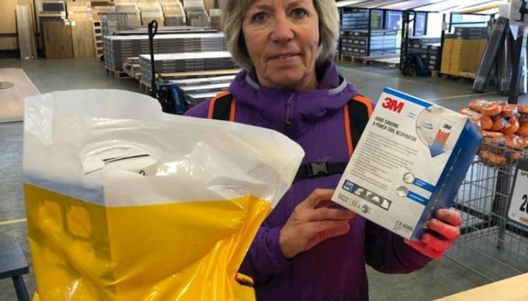 Bygger'n Mosjøen donerte støvmasker til Mosjøen Tannklinikk, som har akuttberedskap i Vefsn.