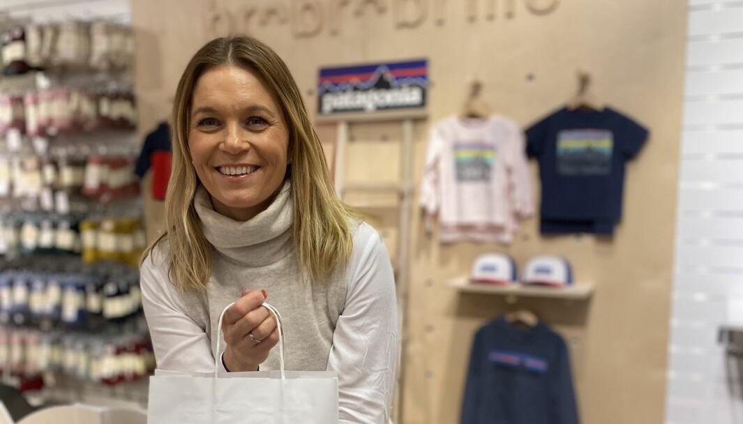 Camilla Hartveit i Brobrobrille understreker betydningen av to kanaler for å klare seg med selvstendig butikk i tøff konkurranse med store kjeder.