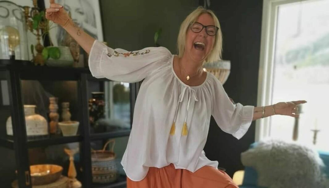 Else Merete Stavik byr på seg selv og legger stadig ut bilder på Facebook og Instagram.
