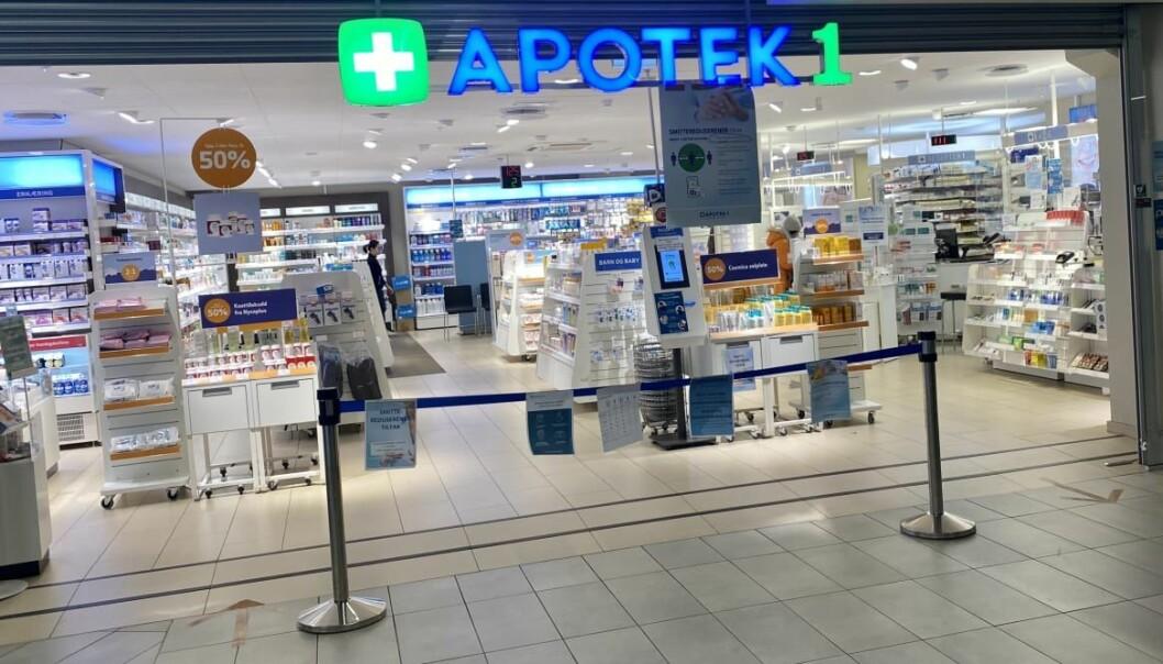 Apotekene har fokus på smittevern og å gjøre det trygt for kundene å besøke apoteket. Her fra Apotek 1 på Stovner.