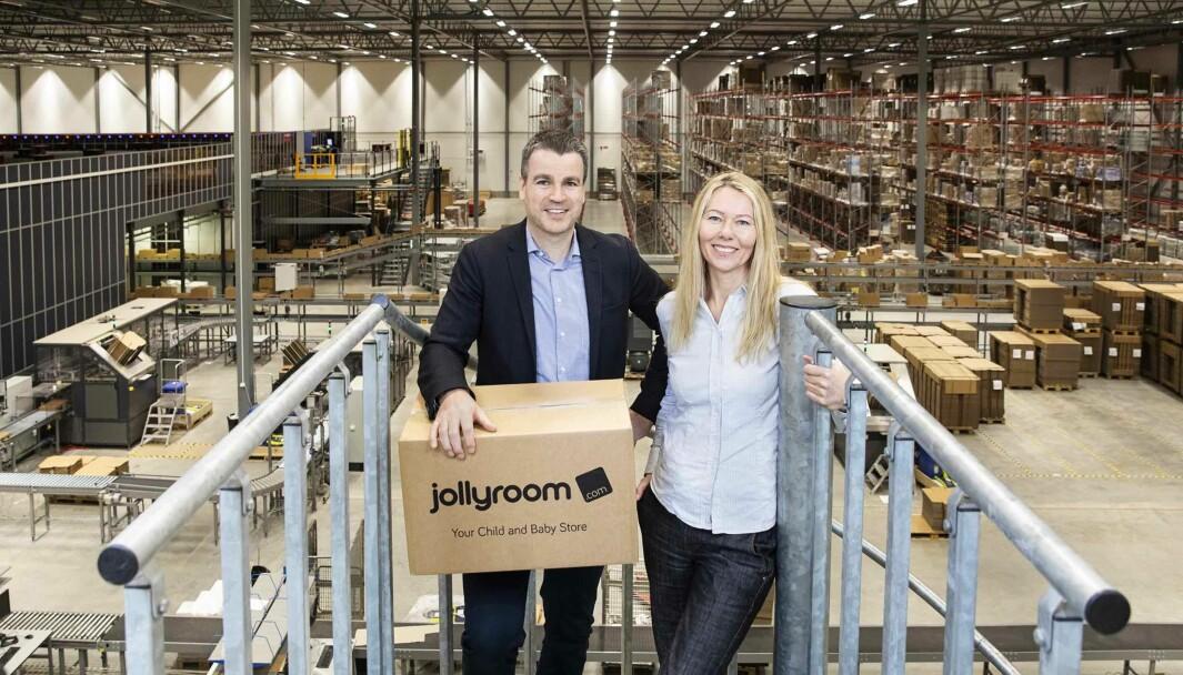 Adm. dir og hovedeier Ole Sauar og logistikksjef Cecilia Olsson i Jollyroom går midt i koronatiden inn i et nytt land: Østerrike