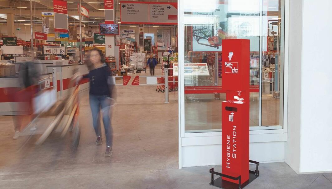 Bovend hygienestasjon er en profesjonell løsning for desinfeksjon som passer godt der kunder kommer og går.