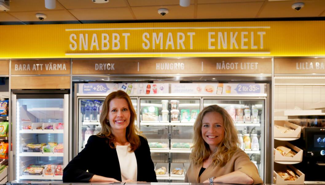 Mariette Kristenson (t.v.) og forretningsutviklingssjef Maria Isaksson (t.h.) på plass i Pressbyrån Go.
