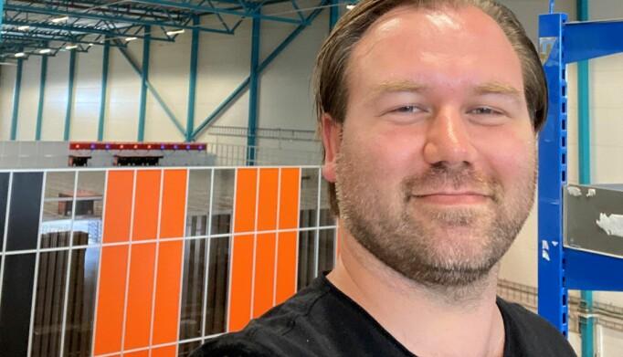Logistikkdirektør André Swensen i Elektroimportøren– også valgt inn i styret i Logma – vil tirsdag ta interesserte med på en digital visning på lageret.