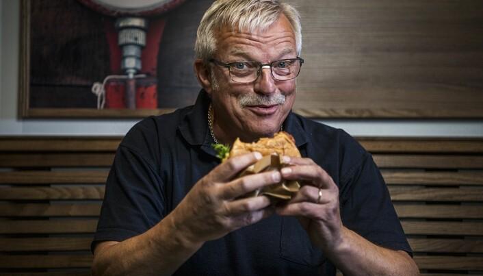 L astebilsjåfør Bjørn Hansen har selv fått erfare at dårlig mat kan ha negative konsekvenser for helsa.
