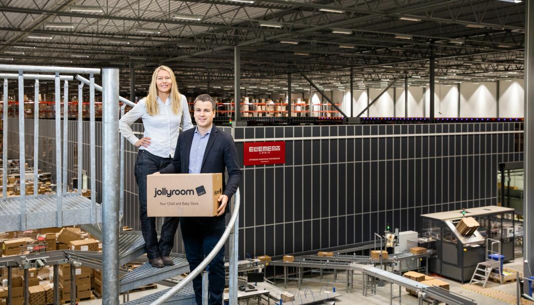 Logistikksjef Cecilia Olsson og adm. dir. Ole Sauar ser fram til å få økt kapasitet til den helautomatiserte logistikkløsningen i tide til julehandelen..