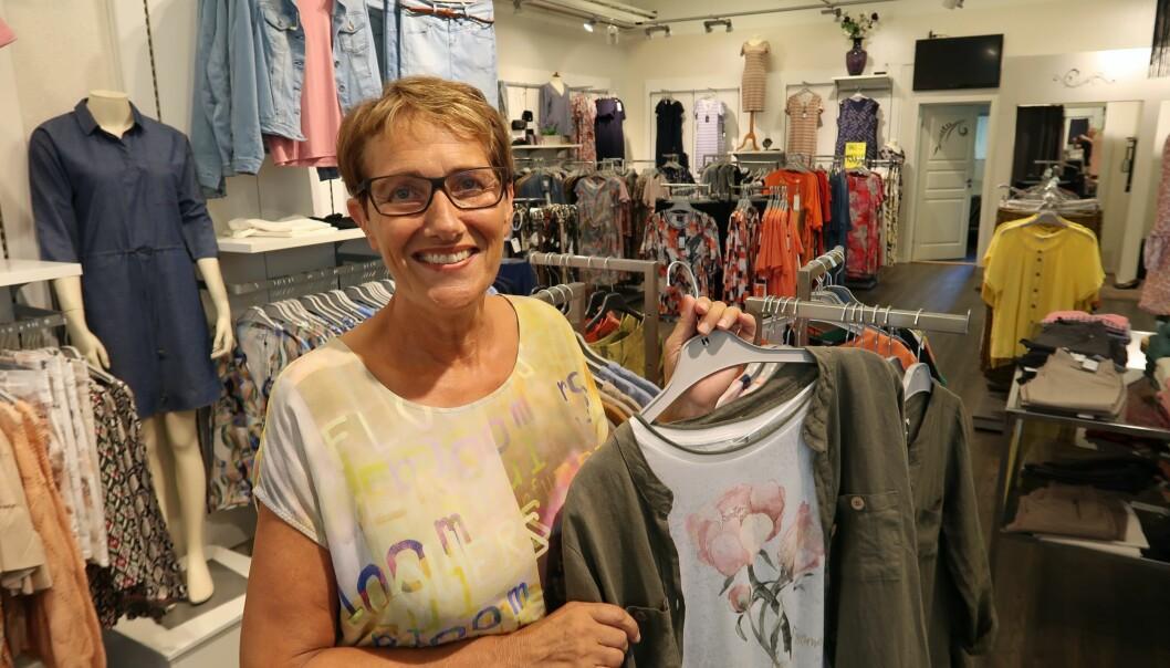 Anne Marit Kolaas har drevet i motebransjen i 43 år og understreker hvor viktig det er selv å være tilstede i driften.