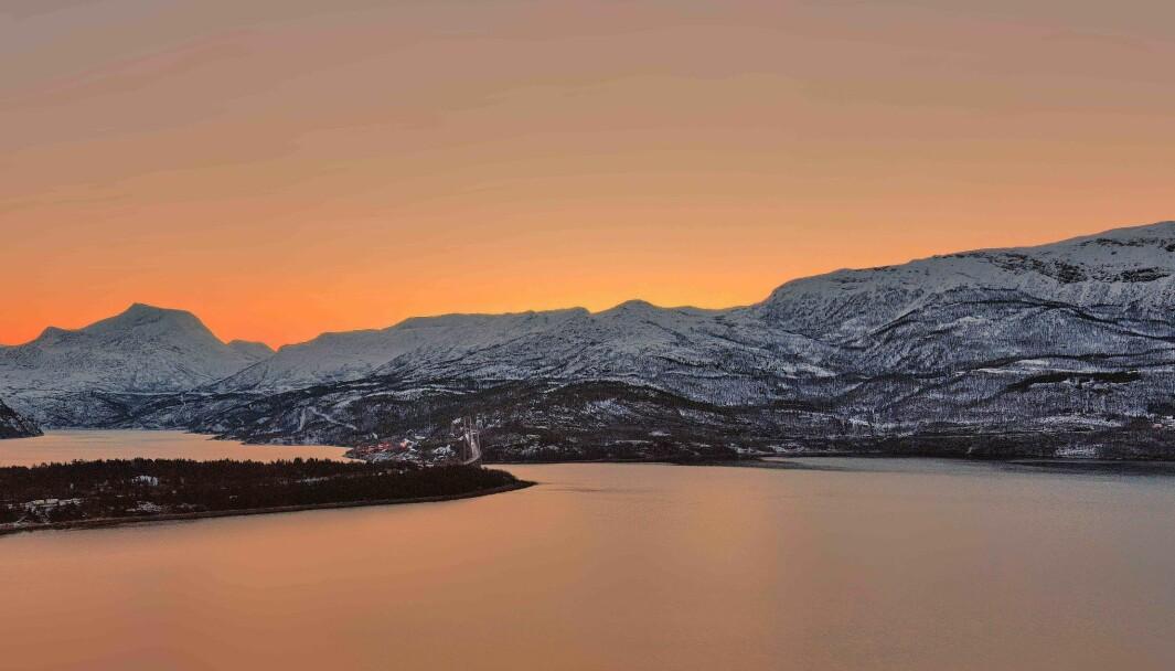 Ved Abisko, Riksgränsen i det nordvestlige Sverige er de første skritt tatt for å etablere grensehandel.