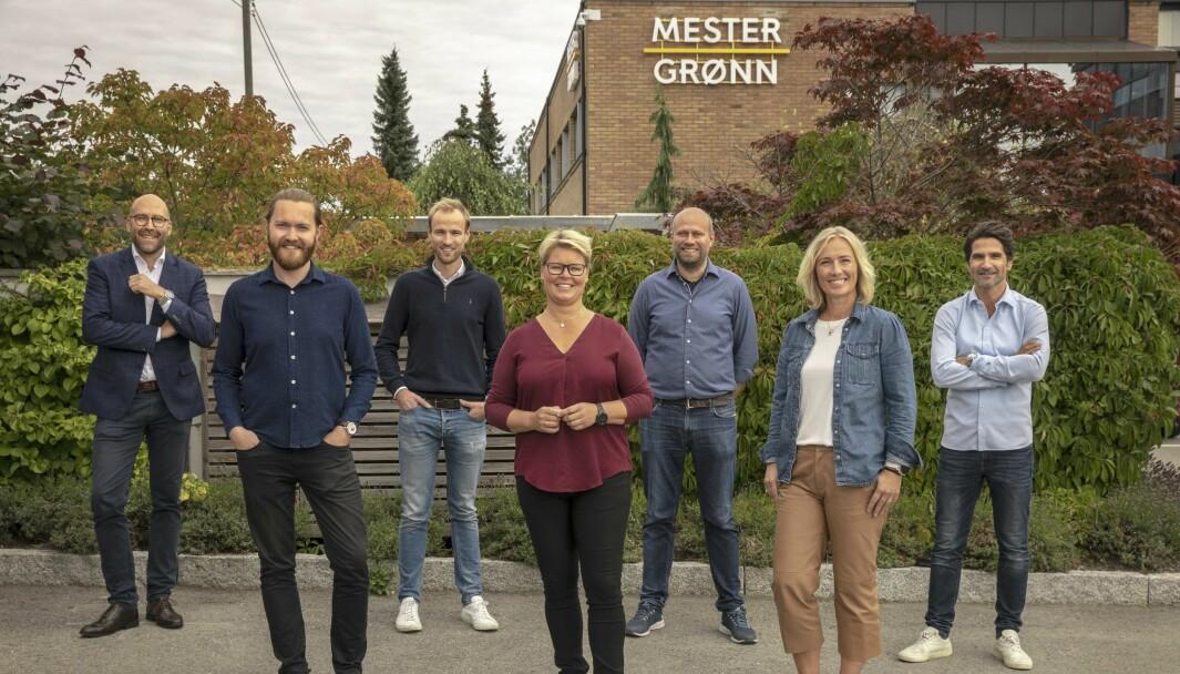 F.v.: Michael Legendre (byråleder, Isobar Norge), Andreas Tyrholm (Prosjektleder, Isobar), Ville Sivonen (Head of Martech, Isobar Nordics), Lise Foss Andersen (Wedredaktør og leder for digitale kanaler, Mester Grønn), Terje Jensen (Business Controller, Mester Grønn), Hege Hildeng (Markedsdirektør, Mester Grønn) og Hans Petter Hubert (Prosjektleder, Mester Grønn).