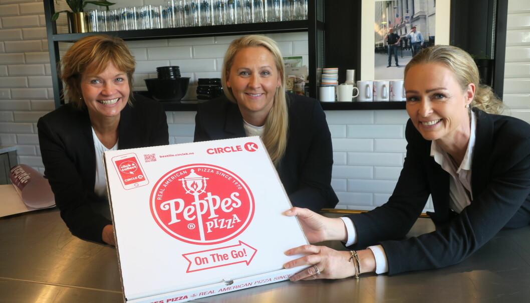 Fra v. Inger Lise Eliassen, markedsdirektør i Scandza AS, Ann-Helen Våge, kategori- og markedsdirektør i Circle K Norge og Marianne Lund, adm. direktør hos Peppes Pizza