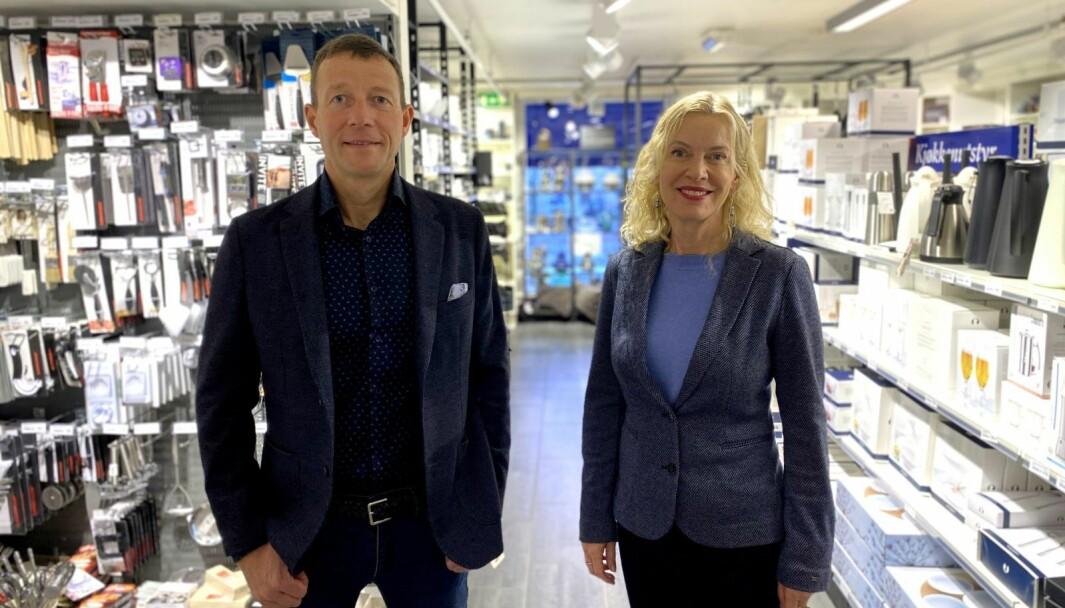 Harald J. Andersen , direktør for Virke Handel Virke og Ann-Kristin Ytreberg. daglig leder i Miljøfyrtårn.