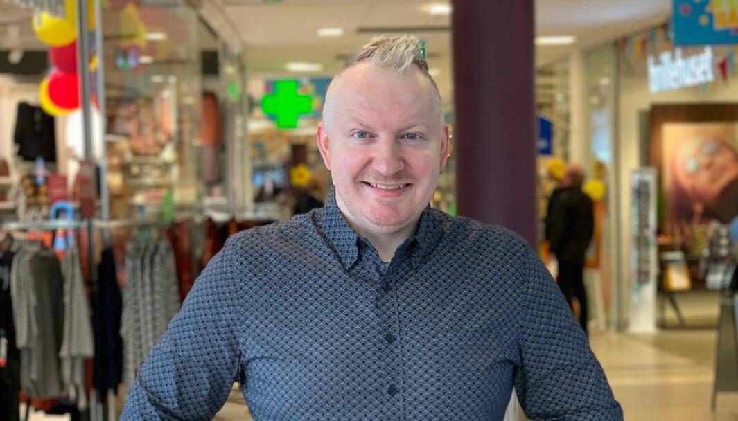 Erik Gjemble (43) er i dag senterleder ved Havnesenteret i Brønnøysund, en jobb han har hatt i fire år.
