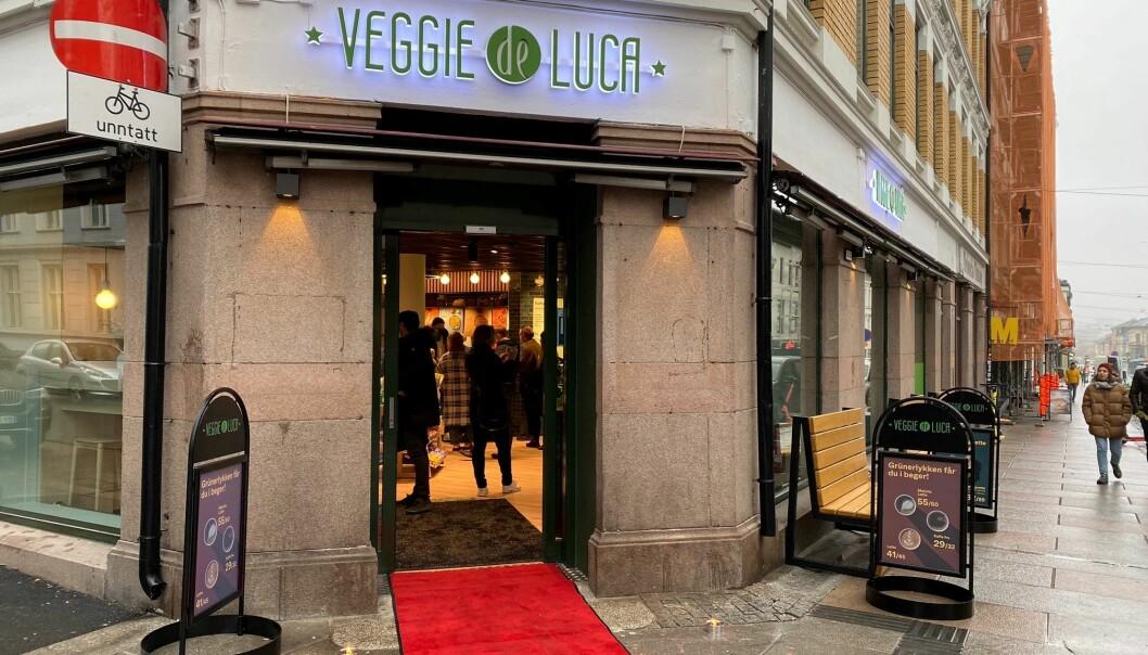 «Veggie de Luca» åpner i dag i samme lokaler som den første Deli de Luca-butikken ble åpnet i 2003: i Thorvald Meyersgate 34 i Oslo.