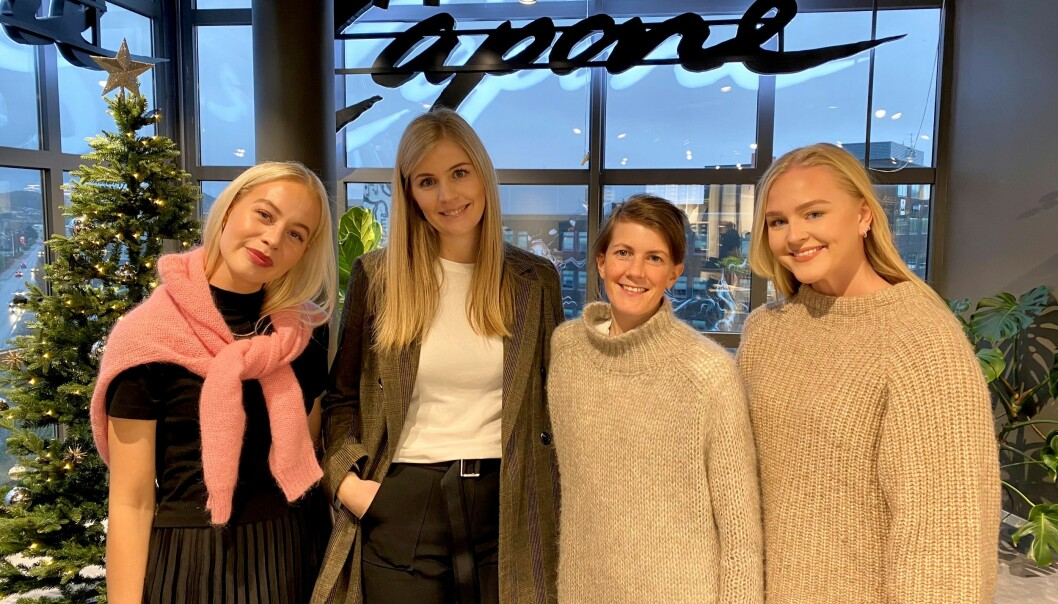 De ansatte i Capone og Mrs. Capone. F.v. Elisa Vagle, butikksjef Jeanette Rege, ass. butikksjef Isabel Kvarme Larsen og Camilla Risøy Hegrestad.