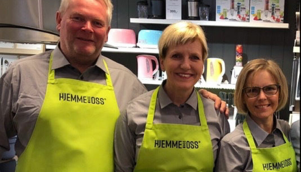 Ellen og Knut Bendiksen, her sammen med «en fantastisk medarbeider i mer enn 20 år», Bodil Strand.