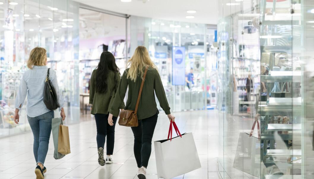 TRYGGERE HANDEL: Smittevernveiledningen bidrar til økt trygghet for alle som besøker kjøpesentre.
