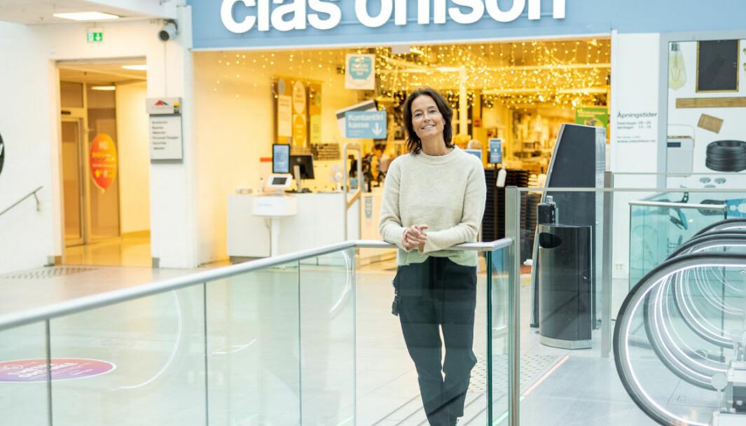 Senterleder Monique Blystad: – Ved inngangen til alle butikker står det oppslag om hvor mange som kan være inne i lokalet samtidig.
